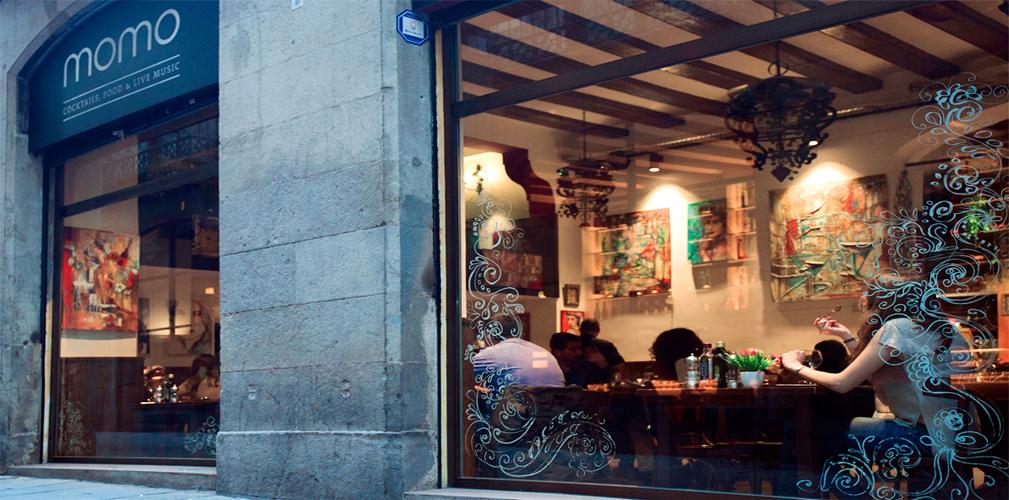 momo bcn - restaurant & bar - vista des de l'exterior